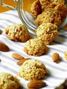 biscotti croccanti alle mandorle e cocco