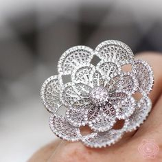 Flower by @eleuteriojewels, beautiful artwork all made by hands in Portugal. #eleuterio #eleuteriojewels #likeab #flower #ring