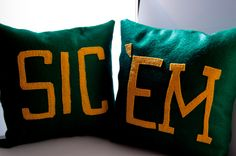 These #SicEm pillows would be perfect for a #Baylor-themed dorm room!