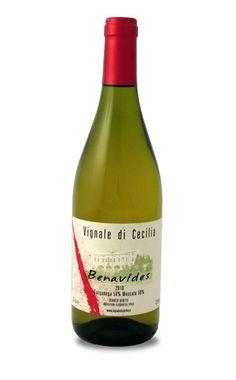 Vignale di Cecilia  Benavides, Vino bianco secco da uve Moscato e Garganega, è l'ultimo nato fra i vini Vignale di Cecilia, dai migliori vigneti a bacca bianca dell'azienda. #wine #bottle #red #food #green #veneto #biologic http://www.venetoesapori.it/it/prodotto/benavides
