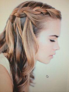 Idée simple pour cheveux détachés