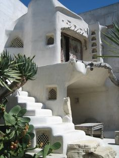 Cob House and Earthship Inspo – Zero Waste Millennial Maison Earthship, Earthship Home, Organic Architecture, Architecture Design, Residential Architecture, Contemporary Architecture, California Architecture, Adobe Haus, Dixon Homes