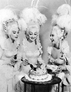 Kay Kendall | Taina Elg | Mitizi Gaynor ~ Les Girls(1957)