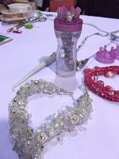 French Knitter #jewelry #beading #crafting. I love this new way to beed. I hape I can win the chance to have the tools & materials to do it.