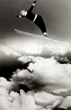 Alf Marinius Engen (1909 - 1997) in flight, ca. 1935. Unknown photographer. °