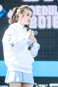 IU 180909 New Balance läuft bei seoul Event - taek¤¤k 💜 - Cute Korean, Korean Girl, Asian Girl, Iu Fashion, Korean Fashion, Seoul, New Balance, Mode Ulzzang, Korean Celebrities