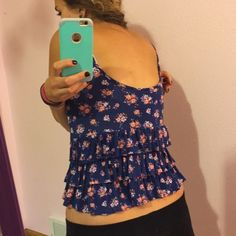 Ruffled Back crop tank top. Rue 21 crop tank with Ruffles on back. Size Sm Rue 21 Tops Tank Tops