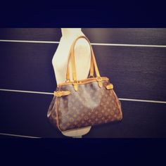 ‼Authentic Louis Vuitton Batignolless  Bag♥️ ♥️Brown Louis Vuitton Monogrammed Batignolless Bag!!! ‼️Authentic.. This bag is in great pre-loved condition.. perfect patina..no scratches!! Comes with Dust Bag Can send more pics if needed!! Louis Vuitton Bags Shoulder Bags