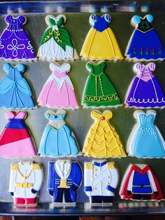 Cupcakes disney princess sugar cookies 52 New ideas Iced Cookies, Cute Cookies, Royal Icing Cookies, Cookies Et Biscuits, Cupcake Cookies, Sugar Cookies, Disney Princess Cookies, Disney Princess Birthday Party, Disney Cookies