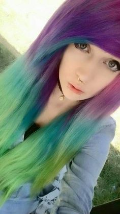 Sorry for soo many people but they are all soo neat Cute Emo Girls, Emo Boys, Pelo Emo, Chica Dark, Green Hair, Lilac Hair, Pastel Hair, Pastel Goth, Mode Emo