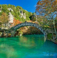 Βοϊδομάτης: Ένας από τους καθαρότερους ποταμούς της Ευρώπης Forest Scenery, Autumn Scenery, Beautiful World, Beautiful Places, Places To Travel, Places To Visit, Old Bridges, Greece Pictures, Romantic Places