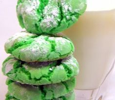 IMPOSSIBLY EASY Crinkle Cake Cookies – Minty Green for St Paddy's Day… Like it says, soooooo easy.  Perfect to make with kids.  Uses a store bought cake mix.  Ready from opening the box to eating a hot PRETTY cookie in 20 minutes.  Soft, Chewy and a GREAT presentation look!