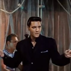 Elvis Presley, Return to Sender, What's with the girl in this video? No love for the King! Elvis Presley Videos, Elvis Presley Pictures, Elvis Presley Movies, Elvis Presley Army, Hollywood Video, Classic Hollywood, Old Hollywood, Aesthetic Movies, Aesthetic Videos