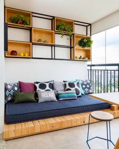 60 Stunning DIY Projects Pallet Sofa Design Ideas 38 – Home Design Sofa Design, Furniture Design, Interior Design, Interior Paint, Furniture Plans, Kids Furniture, Luxury Furniture, Apartment Balcony Decorating, Cozy Apartment