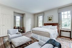 Stunning Colonial Manse in DC Striped Walls, White Walls, Blue And White Fabric, Guest Bedrooms, Master Bedrooms, Bedroom Vintage, Old Houses, Colonial, Beautiful Homes