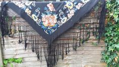 BEAUTIFUL VINTAGE 1930 BLACK CREPE HAND EMBROIDERY FLORAL SHAWL FRINGED ART DECO