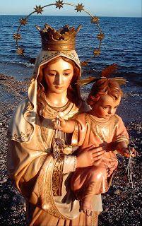 NUESTRA MADRE DEL CARMEN DE ÍLLORA: POESÍAS A LA VIRGEN DEL CARMEN Mother Mary Images, Images Of Mary, Blessed Mother Mary, Blessed Virgin Mary, Catholic Art, Catholic Saints, Religious Images, Religious Art, Mont Carmel