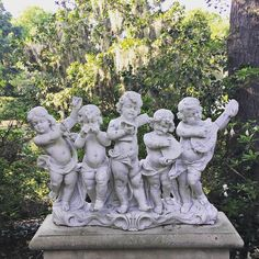 Middleton Place was my favorite plantation we visited on our road trip around #southcarolina. I loved these #statues and the #formalgardens surrounded by the wilds of the #lowcountry mosses. Link to blog in bio.