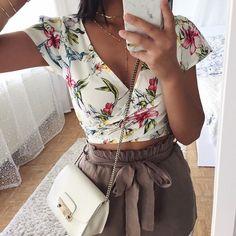 Top: @dishee_fashion