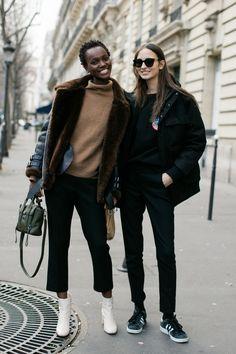 La calle se ve a la Semana de la Moda automne-hiver 2016-2017 de Paris foto par Sandra Semburg