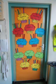 Leuk idee om elk kind zijn/ haar eigen taartje te laten maken, met het aantal benodigde kaarsjes. Als verjaardagskalender.