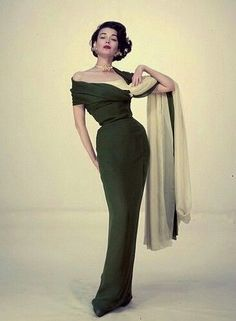 Elegant olive green vintage fitted sheath evening gown Photographed by Walter Carone, Spring 1954 Vintage Fashion 1950s, Fifties Fashion, Vintage Gowns, Vintage Couture, Retro Fashion, Vintage Outfits, 1950s Fashion Women, Vintage Dior, Vintage Models