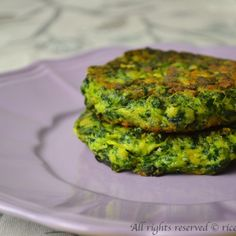 Salmon Burgers, Finger Foods, Broccoli, Zucchini, Food And Drink, Vegetables, Cooking, Ethnic Recipes, Simple
