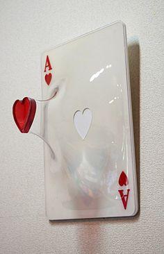 Ace of Hearts in glass - beating heart - sculpture Lizzie Hearts, Japanese Artists, Art Design, Art Inspo, Amazing Art, Glass Art, Cool Art, Street Art, Artsy