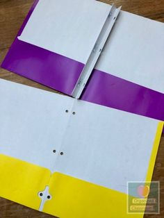 DIY multipocket folders from two folders with brads without needing staples, tape, binding machines, or anything else! Teacher Freebies, Classroom Freebies, Classroom Ideas, Folder Organization, Classroom Organization, Classroom Management, Math Story Problems, 2 Pocket Folders, Jungle Theme Classroom