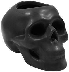 http://www.rockagogo.com/c233-decorations-d-interieur/c454-dark-deco/c1446-porte-stylos/p18076-pot-stylos-gothique-dark-deco-tete-de-mort-noir-mat