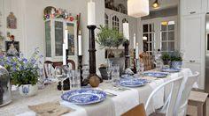 Bilderesultat for konfirmasjon pynt Table Decorations, Furniture, Home Decor, Decoration Home, Room Decor, Home Furnishings, Home Interior Design, Dinner Table Decorations, Home Decoration
