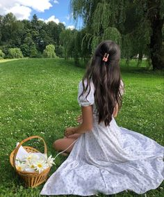 Nature Aesthetic, Summer Aesthetic, Imagen Natural, Mode Streetwear, How To Pose, Ulzzang Girl, Aesthetic Pictures, Aesthetic Clothes, Instagram