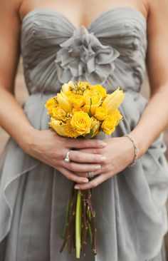 The perfect color combination for your home or your wedding: grey & yellow