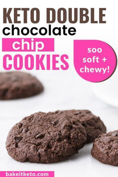 Such an easy keto dessert! Super soft and chewy double chocolate chip cookies. Bakery style and soo satisfying. Keto Dessert Easy, Easy No Bake Desserts, Low Carb Desserts, Fun Desserts, Double Chocolate Chip Cookies, Keto Chocolate Chips, Chocolate Recipes, Cookie Recipes, Dessert Recipes
