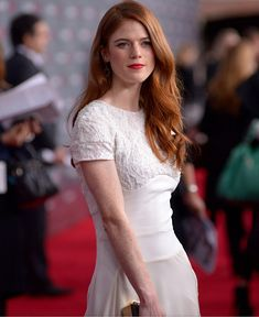 Rose Leslie Rose Leslie, Female Pictures, Flawless Beauty, Redheads, White Dress, Short Sleeve Dresses, Actresses, Formal Dresses, Celebrities