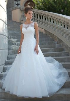 Venus Bridal wedding dress | http://trib.al/w6UVVh4