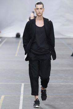 Y-3-Spring-Summer-2016-Menswear-Collection-Paris-Fashion-Week-002