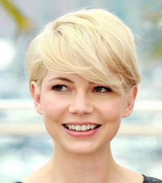 Michelle Williams porte la coupe garçonne à merveille