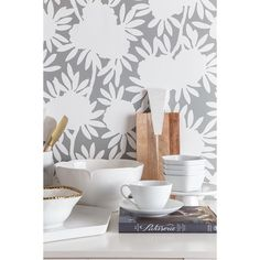 Caitlin Wilson Design   Hope you had a wonderful weekend! We're talking about my favorite rooms for wallpaper on the blog today! {link in profile} #cwwallpaper #greysilhouette