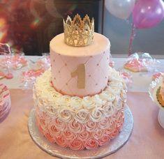 1st Birthday Girl Decorations, Birthday Cake Roses, 1st Birthday Cake For Girls, Beautiful Birthday Cakes, Baby Birthday Cakes, First Birthday Cakes, Birthday Ideas, Princess Birthday Cakes, Geek Birthday