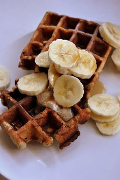 banana waffles | Eat the cookie!