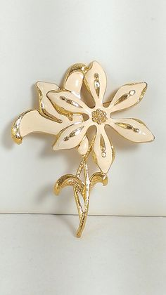 Monet Lily Flower Brooch Creamy White Enamel Gold Tone Astronaut Wives Mod Modern Nature Gardener Gift Large Brooch Statement Jewelry