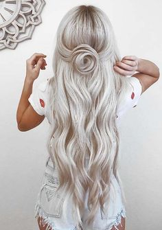 35 Gorgeous Icy Blonde Hairstyles 2018 with Obsessed Braids. Looking for best braid styles? We are going to show you here the awesome ideas of ice blonde hairstyles & haircuts with beautiful braid styles for more attractive look in 2018. This hairstyle surely will be your next choice while going to salon. Women of various age groups & having different hair textures can wear it.