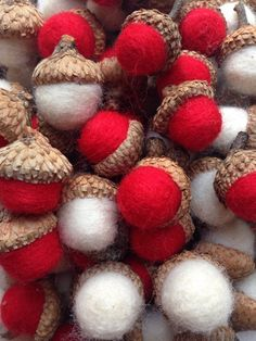 Felted acorns - 100 Needle Felted Acorns 50 OffWhite and 50 Poppy Red Great for Home Decor and Weddings Ask for Custom Color Combo – Felted acorns Felt Crafts, Diy And Crafts, Paper Crafts, Felt Christmas Ornaments, Christmas Gifts, Page Borders Design, Hobbies To Take Up, Yarn Dolls, Hobby Kits
