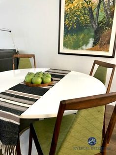 Benjamin Moore Silver Satin with green accents in a mid century modern dining room with furniture and decor. Kylie M INteriors E-design Off White Paint Colors, White Wall Paint, Best White Paint, Neutral Paint, Paint Colours, White Paints, Wall Colors, Mid Century Modern Dining Room, Mid Century Living Room