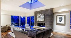 Hopkins Avenue penthouse in fabulous Aspen, Colorado. A stunning architectural jewelry for those looking for a luxury getaway.