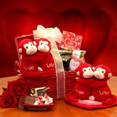 One of the Sweat Gift for valentine day celebrations Valentines Day Baskets, Valentine Crafts, Valentine Day Gifts, Valentine's Day Gift Baskets, Themed Gift Baskets, Basket Gift, Candy Gifts, Jar Gifts, Animated Happy Birthday Wishes
