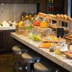 Brunch Bar, Brunch Buffet, Breakfast Buffet Table, Buffet Tables, Buffets, Open Buffet, Food Counter, Restaurant Design, Hotel Food