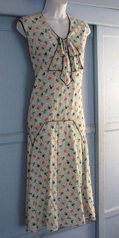 Vintage 30s 40s DRESS Cotton Floral Art Deco Novelty Print Drop Waist s/m