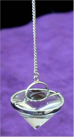 How to Use a Pendulum for Healing (with Pictures)